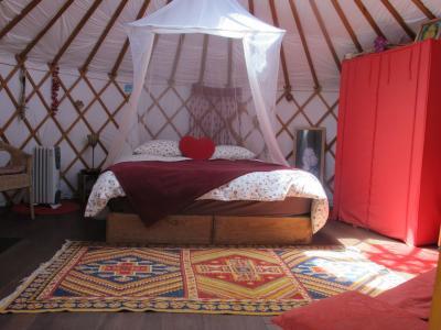Schlafzimmer 1 Mietobjekt Au�ergew�hnliches Fremdenzimmer 98252 Saint Maximin la Sainte Baume