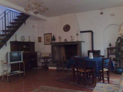 Schlafzimmer 1 Mietobjekt Appartement 88788 Bagni di Lucca