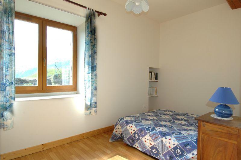 Schlafzimmer 2 Mietobjekt Haus 371 Auris en Oisans