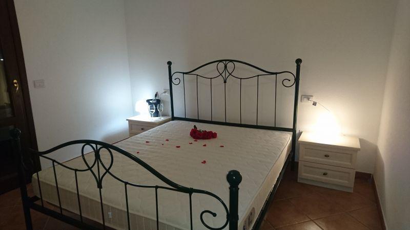 Schlafzimmer 1 Mietobjekt Appartement 43384 Badesi