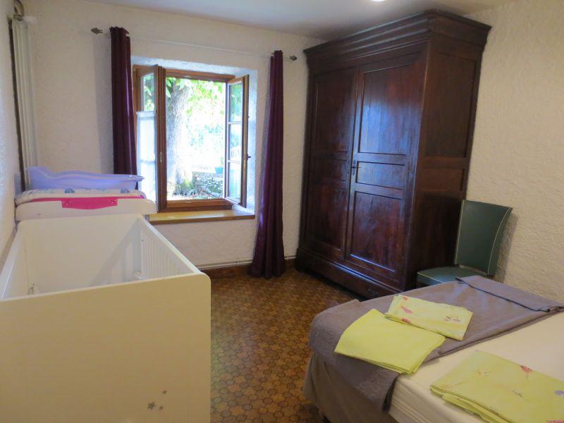 Schlafzimmer 2 Mietobjekt Ferienunterkunft auf dem Land 51135 Saint-Cirq-Lapopie