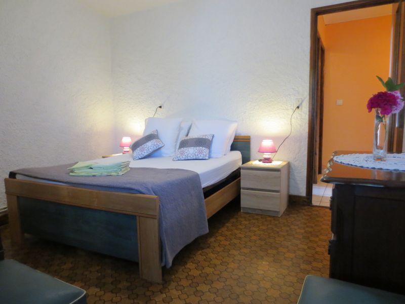 Schlafzimmer 3 Mietobjekt Ferienunterkunft auf dem Land 51135 Saint-Cirq-Lapopie