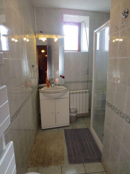Badezimmer Mietobjekt Ferienunterkunft auf dem Land 51135 Saint-Cirq-Lapopie