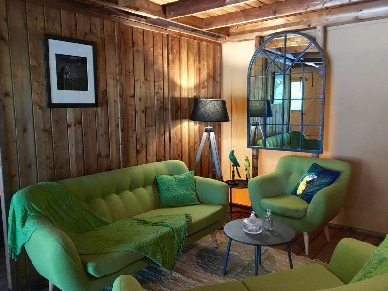 Wohnzimmer Mietobjekt Außergewöhnliche Unterkunft 112458 La Rochelle