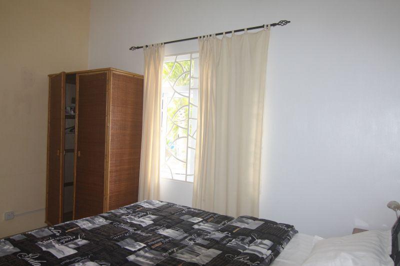 Schlafzimmer 2 Mietobjekt Villa 95201 Péreybère