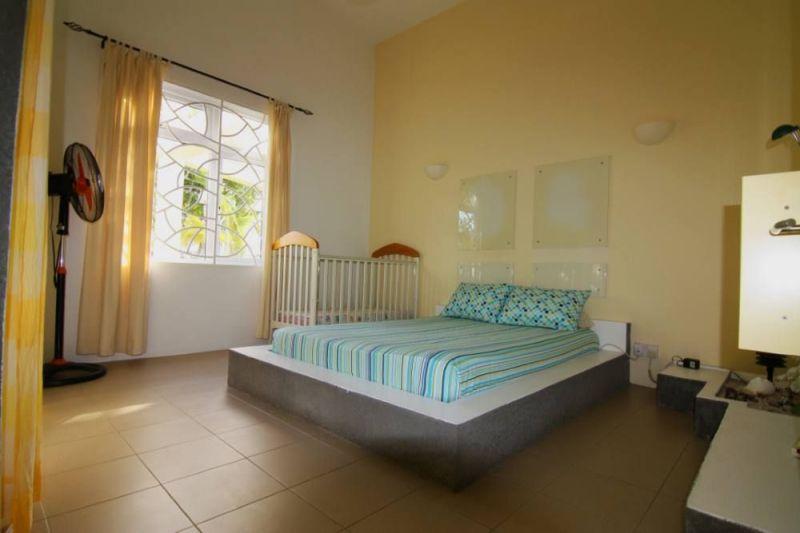 Schlafzimmer 1 Mietobjekt Villa 95201 Péreybère