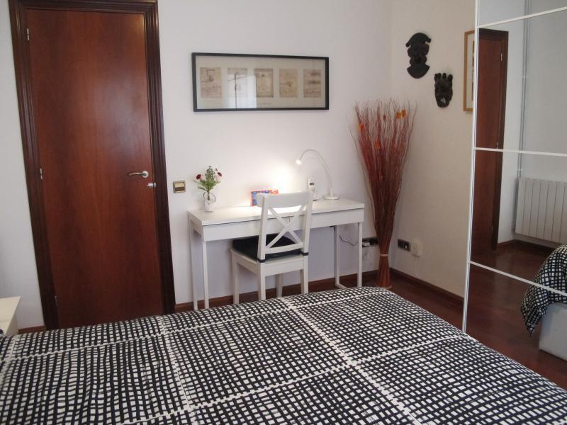 Schlafzimmer 1 Mietobjekt Appartement 81207 Barcelona