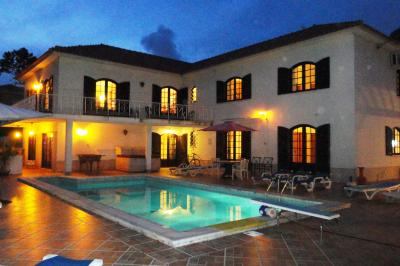 Schwimmbad Mietobjekt Villa 68025 Colares