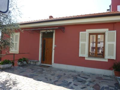 Eingang Mietobjekt Appartement 69491 Castelnuovo Magra