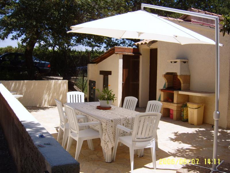 Sommerküche Mietobjekt Ferienunterkunft auf dem Land 69702 Uzès