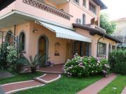 Ferienwohnung in einer Villa in Marina di Massa f�r 2 bis 8 Personen
