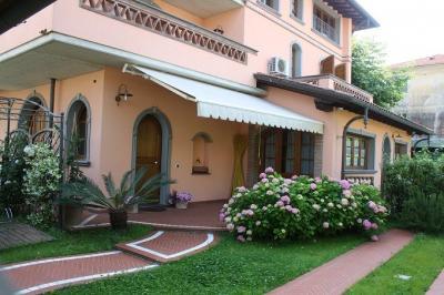 Ausblick aus der Ferienunterkunft Mietobjekt Appartement 72407 Marina di Massa