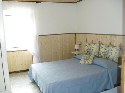 Schlafzimmer 1 Mietobjekt Appartement 79037 Deiva Marina