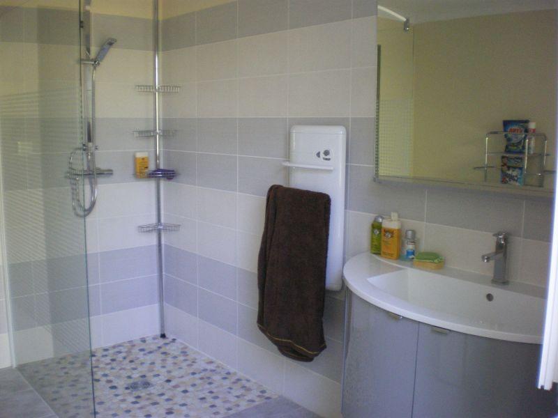 Badezimmer 2 Mietobjekt Ferienunterkunft auf dem Land 113811 Saint Ambroix