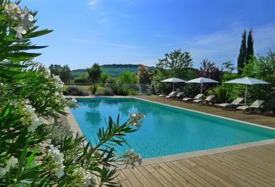 Schwimmbad Mietobjekt Ferienunterkunft auf dem Land 93706 Uz�s